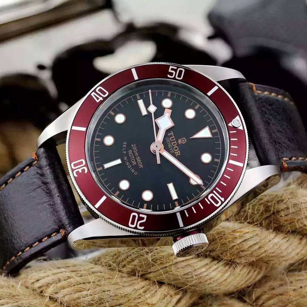 帝舵 Tudor HERITAGE BLACK BAY系列7922R 搭載瑞士ETA2824-2機芯